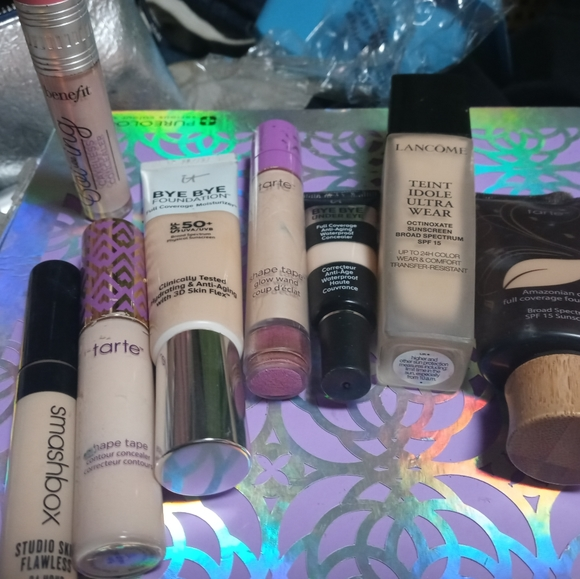 💚💚FOUNDATIONS & CONCEALERS GALORE💚💚